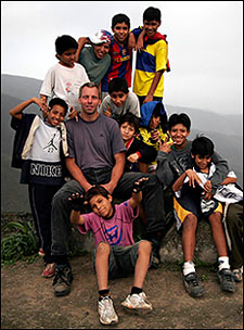 By Kai Tiedemann, author with kids of the local communities in the lomas of Lima, visiting a project for water supply by fog catchers